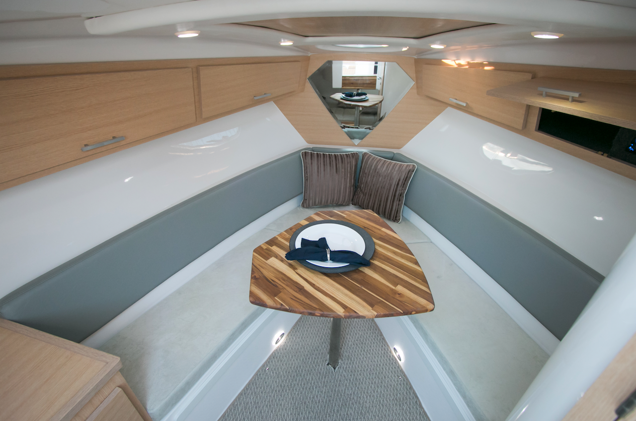 Armatti 300 Spyder Cabin