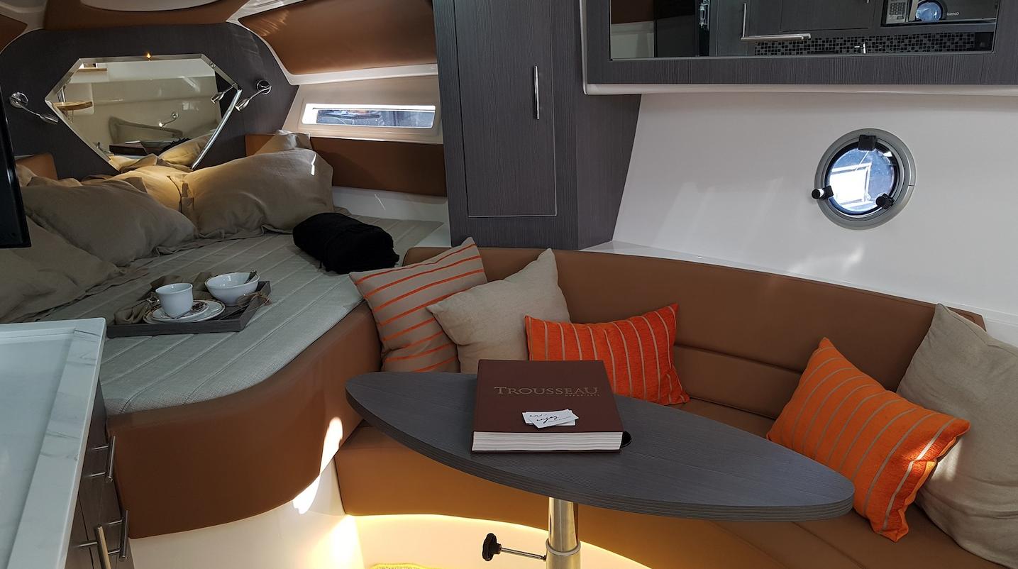 Armatti 370 Cabin 2