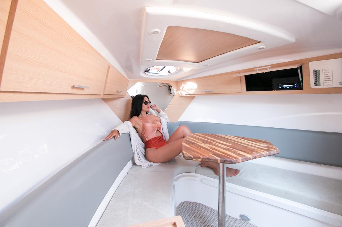 Armatti 300 Spyder Cabin Relax