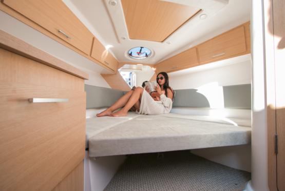Armatti 300 Spyder Cabin Reading