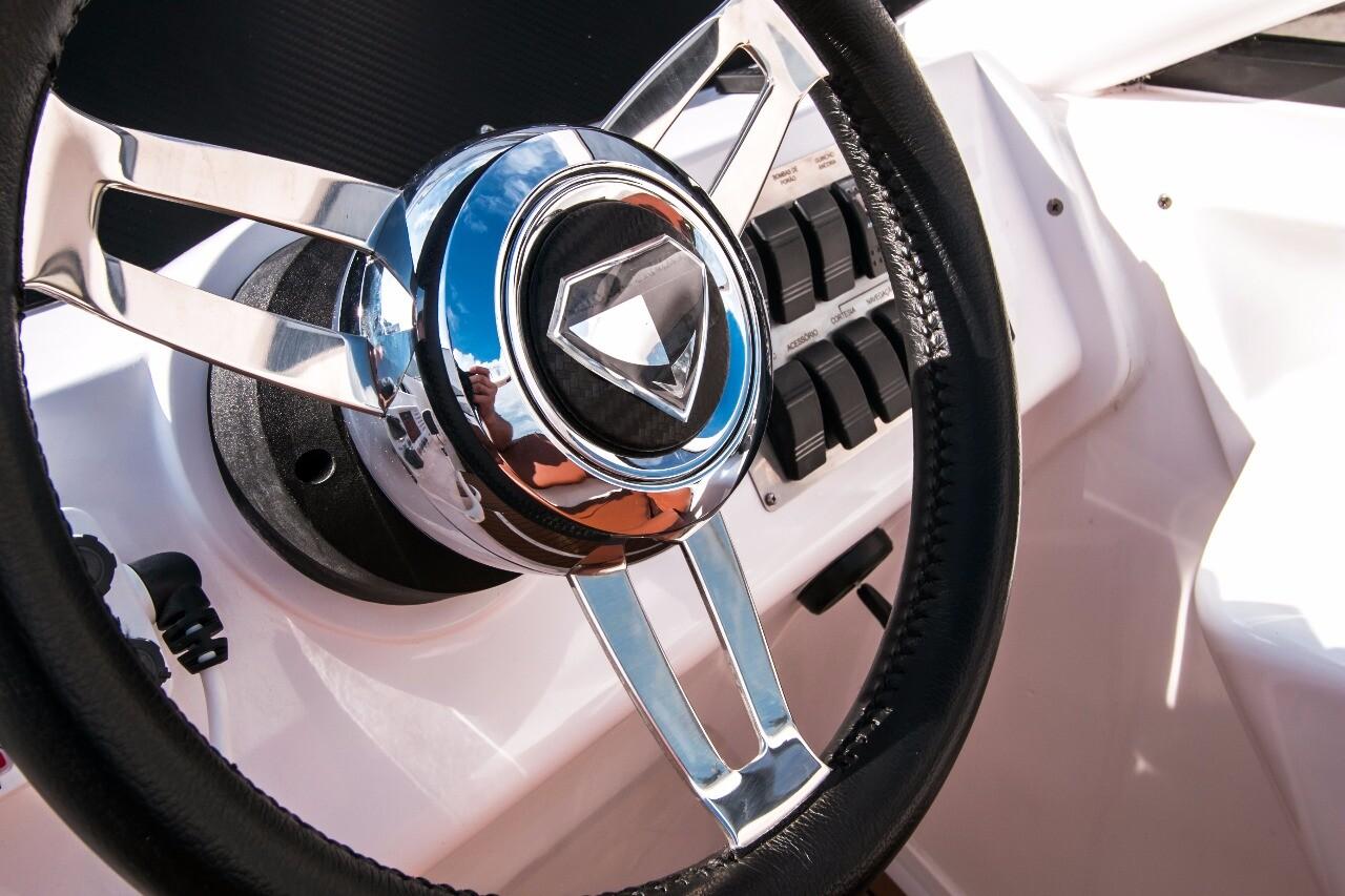 Armatti 340 Cabrio Helm