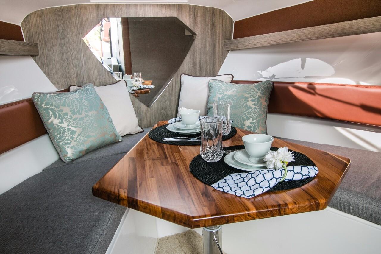 Armatti 340 Cabrio Cabin