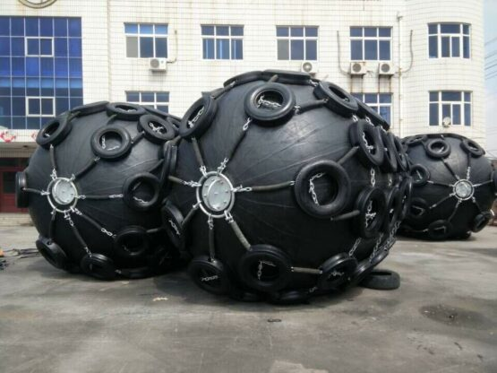 3.3x4.5m pneumatic fender