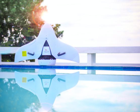 Aqua Jet H2 White By Pool