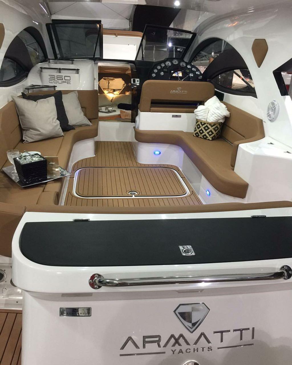 Armatti 370 Gran Coupe Cockpit