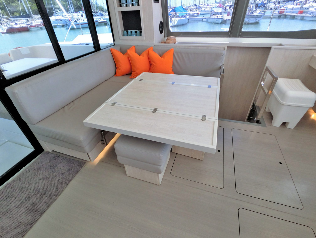 Leopard 43 Power Catamaran Dining Area