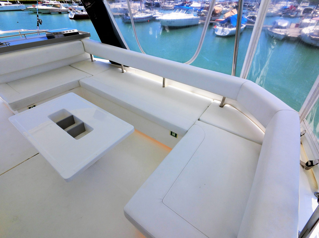 Leaopard 43 Power Catamaran Fly Bridge Seating
