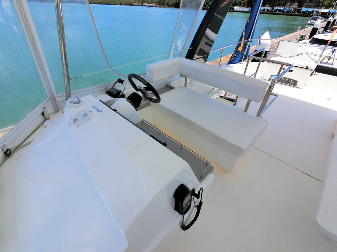 Leopard 43 Power Catamaran Fly Bridge Helm