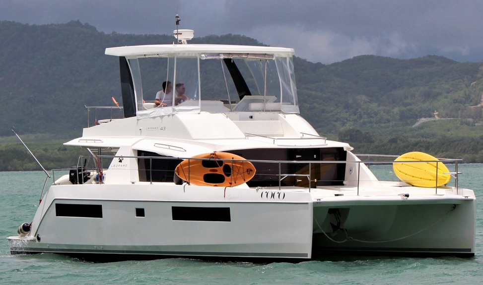 Leopard 43 Power Catamaran Stbd Bow